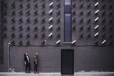 capitalismo sorveglianza distanziamento sociale enrico lobina